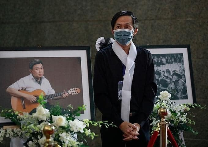 Những câu chuyện xúc động trong tang lễ của cố nghệ sĩ Chí Tài.8