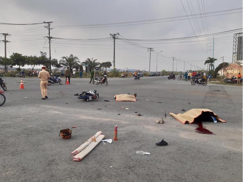 Xe container va chạm xe máy giữa ngã tư tử thần, 2 người tử vong tại chỗ