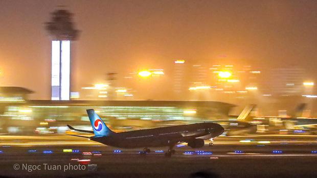 Hình ảnh chuyến bay không vé khứ hồi tiễn đưa cố nghệ sĩ Chí Tài từ Việt Nam sang Mỹ