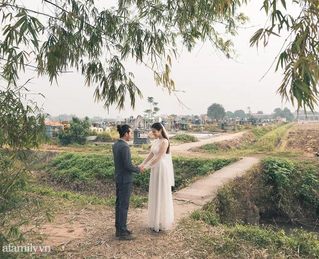 Bộ ảnh cưới kì dị ở nghĩa trang gây tranh cãi mạng xã hội