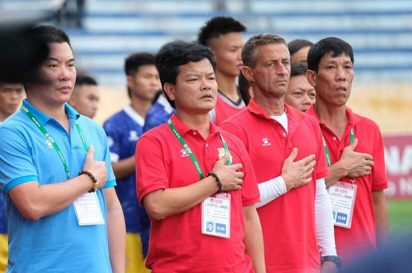 CLB DNH Nam Định thay đổi HLV trưởng