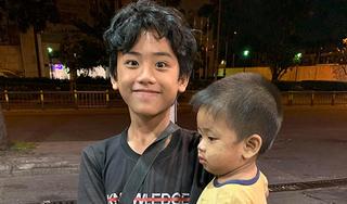 Xúc động câu chuyện anh bế em 1 tuổi lang thang khắp Sài Gòn xin ăn vì thương mẹ