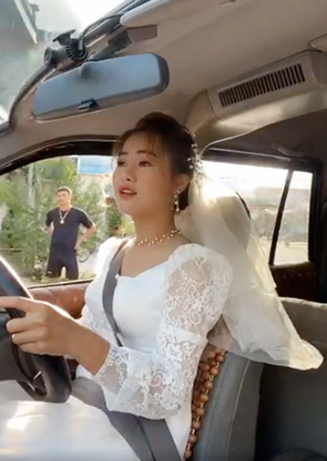 Thực hư chuyện cô dâu Thái Bình tự lái xe hoa về nhà chồng trong ngày cưới