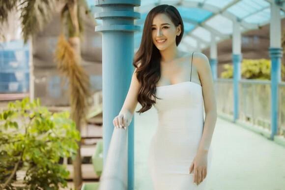 Mai Phương Thúy 'tiên tri' mình trở thành Hoa hậu khi còn là học sinh