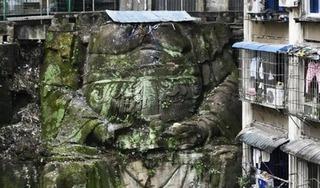 Tượng phật khổng lồ ngàn năm lộ diện dưới chung cư TQ: Có đầu hay không đầu?