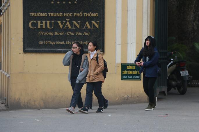 Hà Nội điều chỉnh giờ học để học sinh không phải đến trường quá sớm vì trời rét đậm