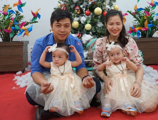 Trúc Nhi - Diệu Nhi xinh xắn, khỏe mạnh đón Giáng sinh tại Bệnh viện Nhi đồng Thành phố