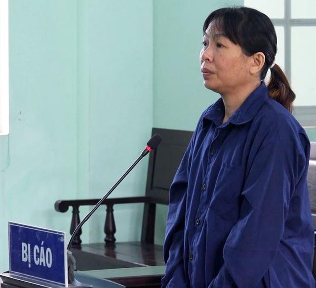 Nữ nhân viên y tế 'dỏm' chế vác xin Covid-19 giả lĩnh án
