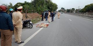 Hà Nam: Va chạm với ô tô cùng chiều, người đi xe máy tử vong