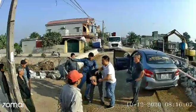 Vụ đánh tài xế xe khách ở Thái Bình, khởi tố, bắt tạm giam 3 đối tượng