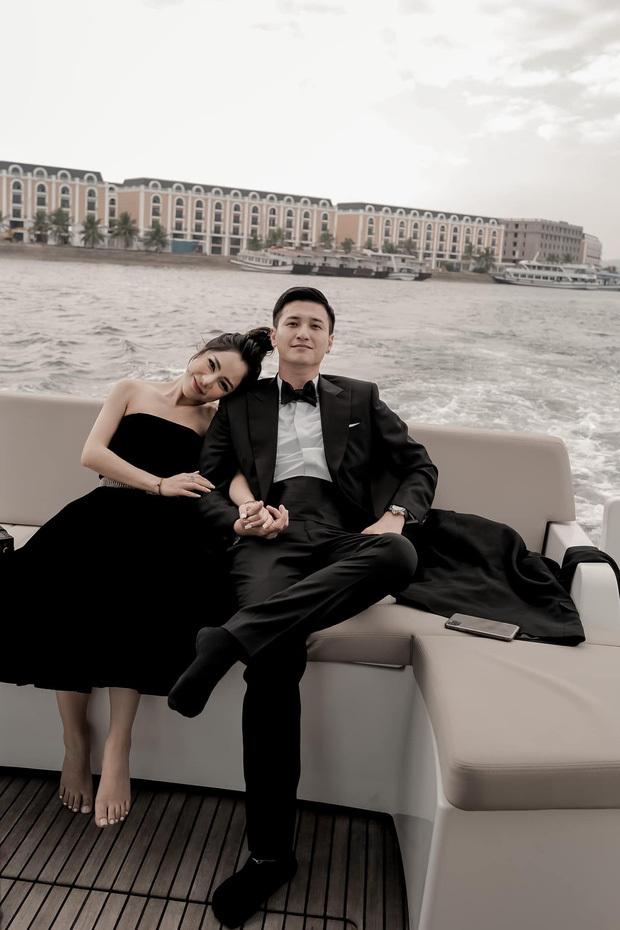 Hậu công khai, Huỳnh Anh càng táo bạo trọng việc thể hiện tình cảm với bạn gái hơn tuổi