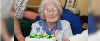 Bí quyết của cụ bà sống lâu nhất thế giới: Cả đời chỉ kiên trì làm 2 điều đơn giản