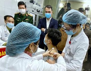 72 giờ sau tiêm thử vaccine COVID-19, sức khỏe tình nguyện viên hiện ra sao?
