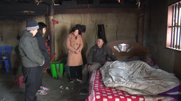 Con nhỏ tử vong vì bố mẹ đốt than sưởi ấm