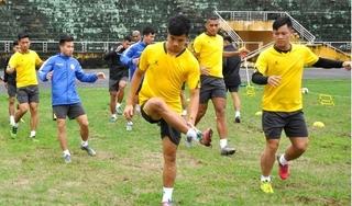 2 cầu thủ Nam Định tập riêng, bỏ ngỏ khả năng ra sân trận gặp Bình Định