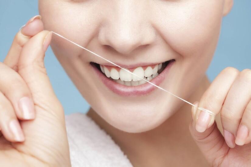 loại bỏ mảng bám răng