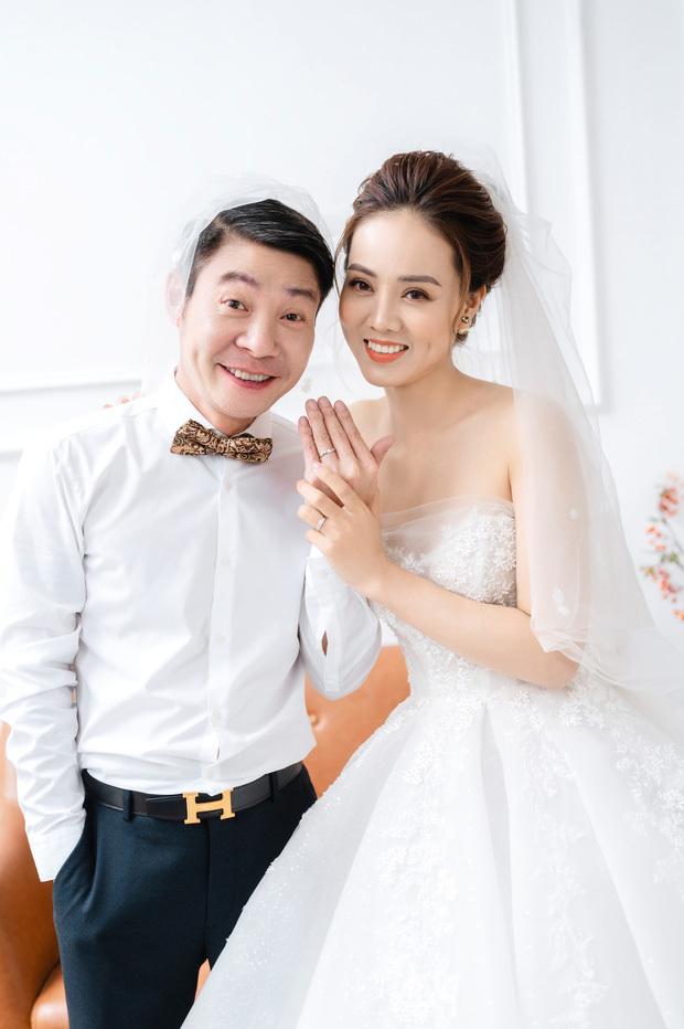 Trọn bộ ảnh cưới cực lầy lội của NSND Công Lý và bạn gái kém 15 tuổi Ngọc Hà
