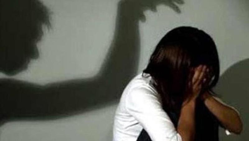 Tạm giam thanh niên nhiều lần quan hệ với bạn gái nhí quen qua mạng
