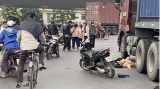 Tin tức tai nạn giao thông ngày 23/12: Va chạm với xe container 2 mẹ con thương vong