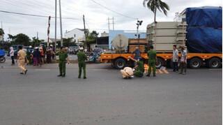 Tin tức tai nạn giao thông ngày 24/12: Nữ sinh lớp 10 bị xe đầu kéo cán tử vong