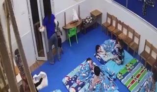 Nữ giáo viên phạt bé trai 3 tuổi đứng ngoài cửa giữa trời giá rét: 'Tôi mong phụ huynh tha thứ'
