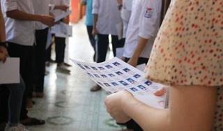 Nghi lộ đề Văn, gần 3.000 học sinh Hà Nội dừng kiểm tra học kì