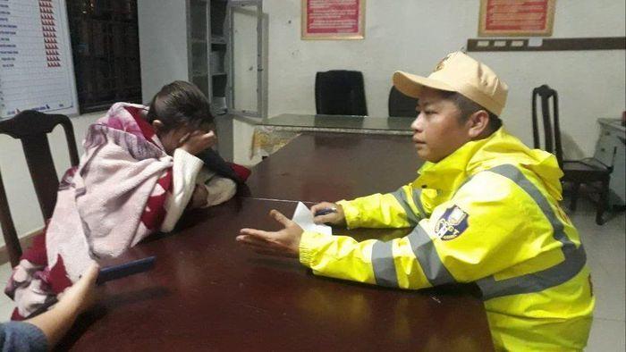 Cứu sống cô gái trẻ bị rơi xuống sông Hương lúc nửa đêm
