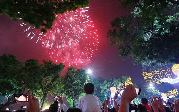 Đây là những địa điểm bắn và ngắm pháo hoa Tết Dương lịch cực đẹp tại Hà Nội.4