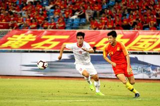 Tin sáng (29/12): Lép vế trước bóng đá Việt Nam, HLV Trung Quốc vẫn nói cứng