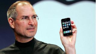 Những bức ảnh vô giá về quá trình ra lò iPhone đầu tiên năm 2007