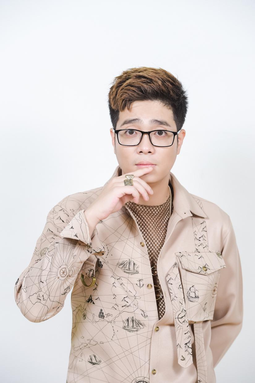 Noo Phước Thịnh và dàn sao biểu diễn trong Vũ khúc ánh sáng - Countdown 2021 chào đón năm mới.1