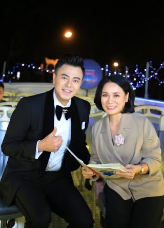 Noo Phước Thịnh và dàn sao biểu diễn trong Vũ khúc ánh sáng - Countdown 2021 chào đón năm mới.3