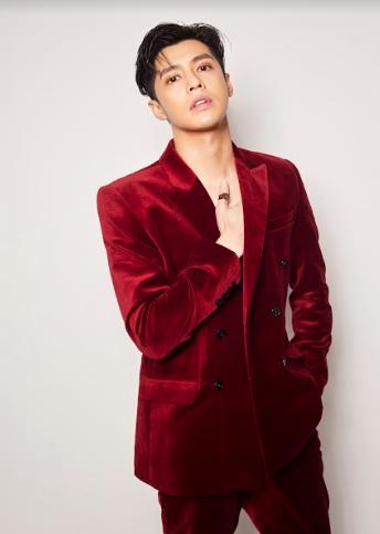 Noo Phước Thịnh và dàn sao biểu diễn trong Vũ khúc ánh sáng - Countdown 2021 chào đón năm mới