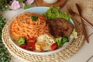 Mì bò bít tết kiểu đặc biệt cho bữa ăn ngon bổ rẻ