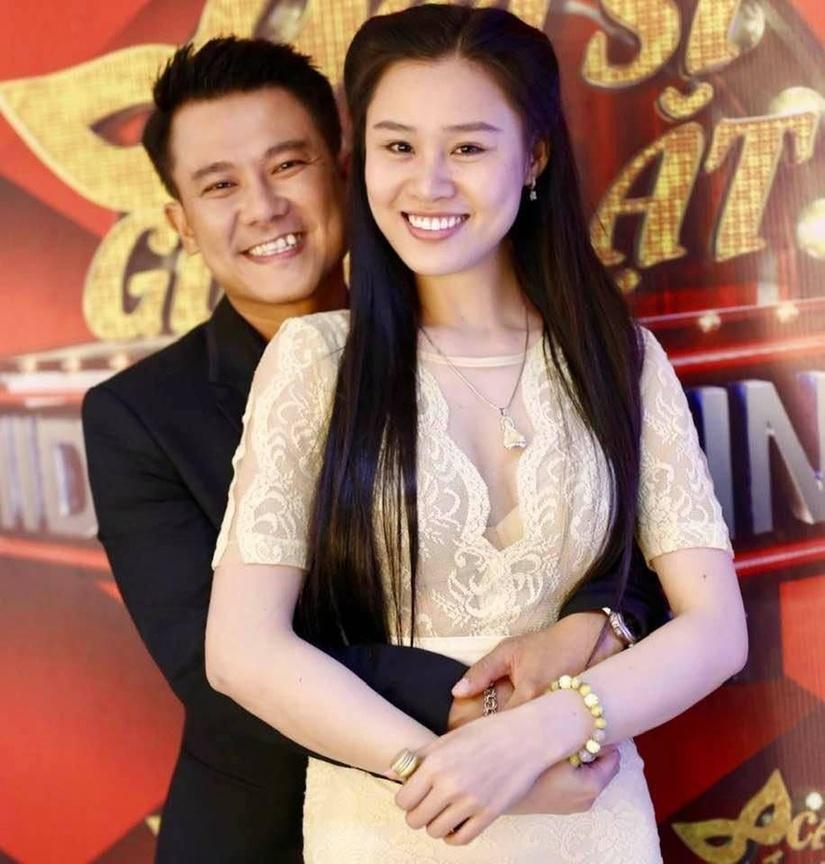 Vợ Vân Quang Long: Anh từng dự cảm về sự ra đi