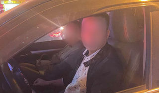 Nhắc nhở tài xế dừng xe quá lâu gây tắc đường, nam thanh niên bị đánh gãy răng