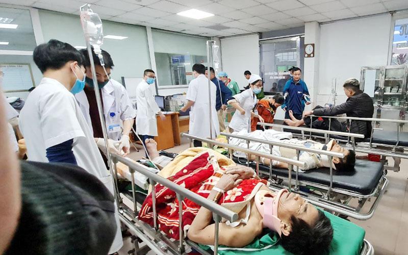 Gia cảnh các nạn nhân vụ rơi thang máy 11 người thương vong hầu hết rất khó khăn