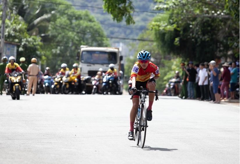 Trà Xanh Không Độ đồng hành cùng giải đua xe đạp 'Về Phước Long xây chiến thắng'