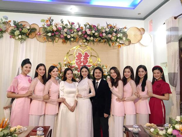Á hậu Thúy An đeo vòng vàng nặng trĩu cổ trong ngày cưới tại Kiên Giang