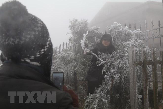 Bắc Bộ và Bắc Trung Bộ trời rét hại, Mẫu Sơn -3,4 độ C