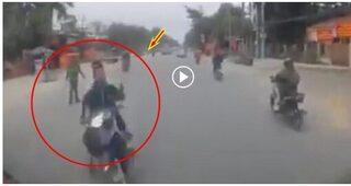 Bỏ chạy CSGT, hai nam thanh niên lao vào đầu xe tải bị thương nặng