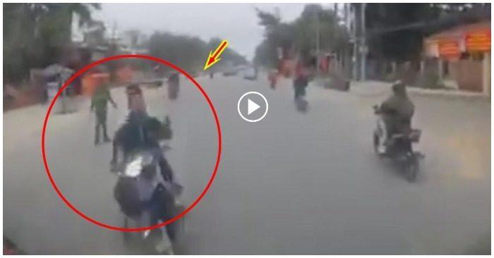 Đánh lái tránh CSGT, hai nam thanh niên tông trực diện vào đầu xe tải
