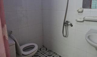 Nữ sinh lớp 7 tự sinh con trong phòng tắm