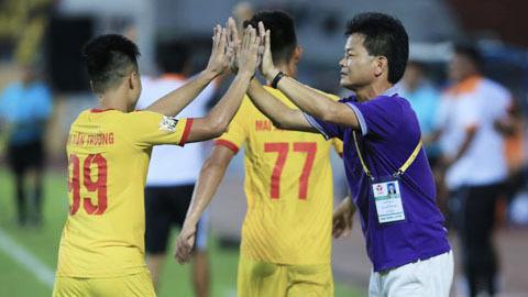 Nam Định đặt mục tiêu khiêm tốn ở trận khai màn V.League