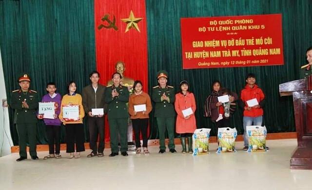 Quảng Nam: Đỡ đầu 7 cháu có cha, mẹ tử nạn do sạt lở đất