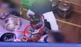 Dư luận Trung Quốc 'dậy sóng' trước clip cô giáo mầm non ép bé trai ăn tương ớt