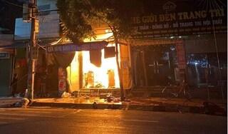 Thái Bình: Lửa thiêu chết bé gái lớp 9, 'chừa' 6 người thân