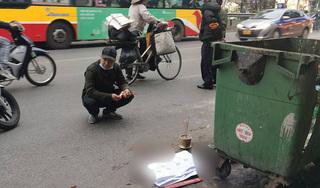 Thai nhi bị vứt bỏ cạnh thùng rác, ô tô đi đường đè trúng thương tâm