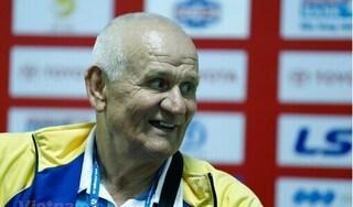 HLV Petrovic: 'Tôi chỉ có 5 cầu thủ đủ trình độ chơi ở V.League'