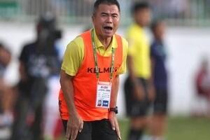 HLV Phạm Minh Đức: 'Claudecir tranh đá đá penalty với Phi Sơn'
